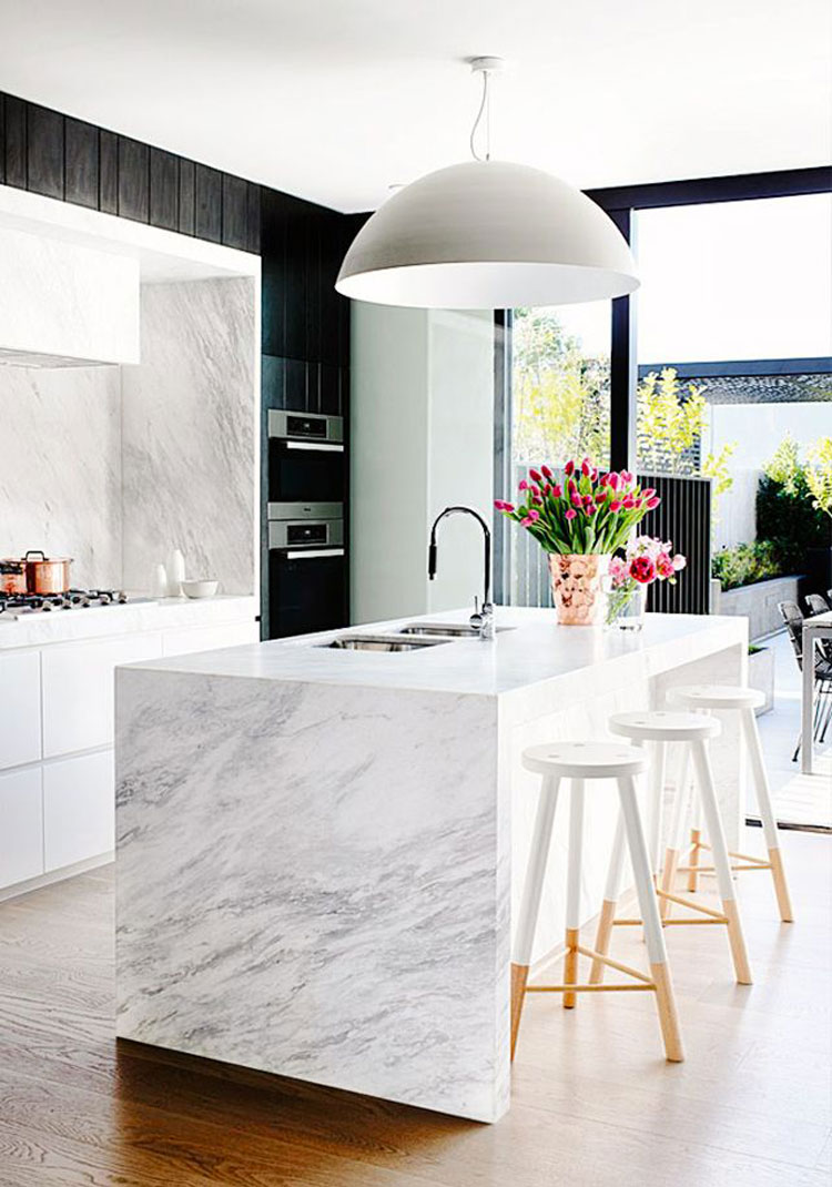 10 moderne isole per cucina in marmo   Thepich