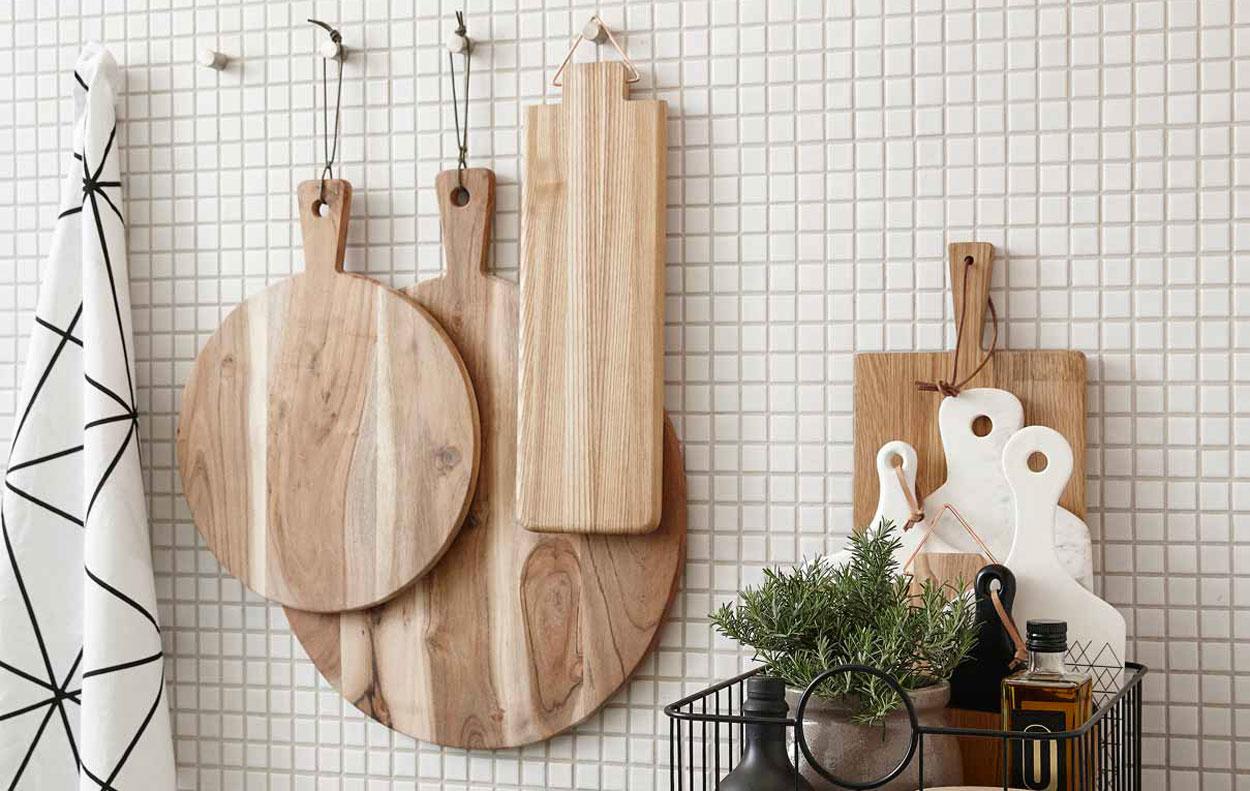 Bellissimi taglieri in legno e in marmo per una cucina ...
